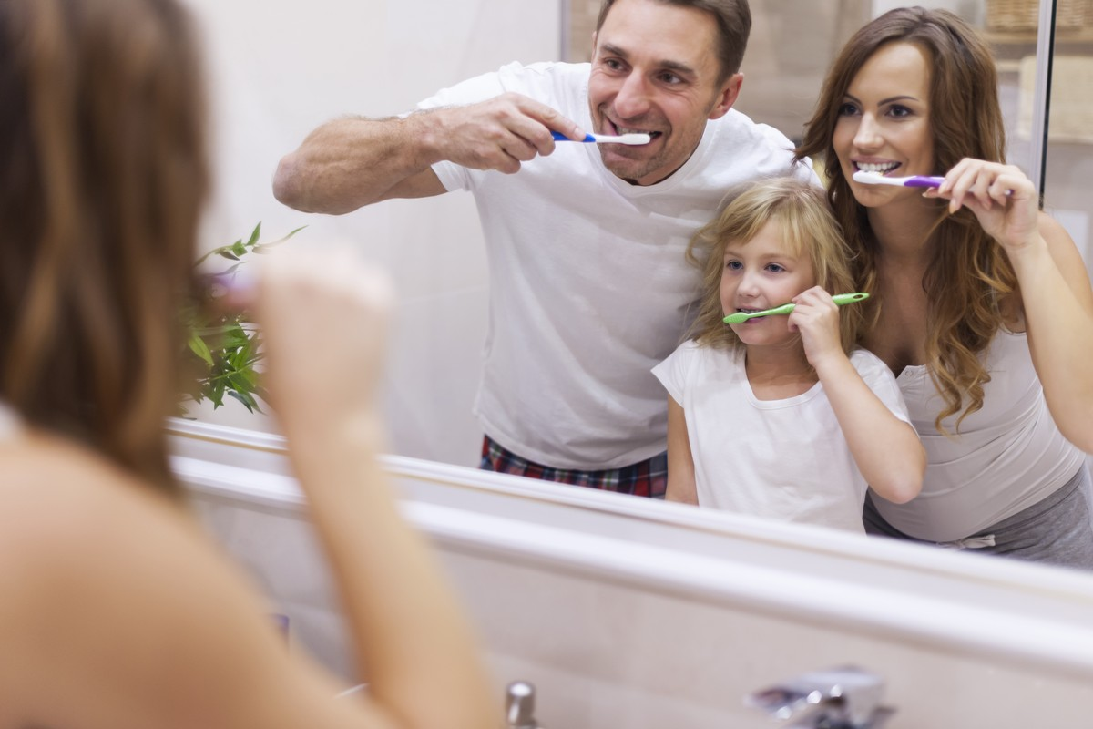 3 Tips to Keep Up with Your Dental Hygiene While Under Quarantine